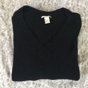 Cozy Black H&M sweater Labor Day limited edition
